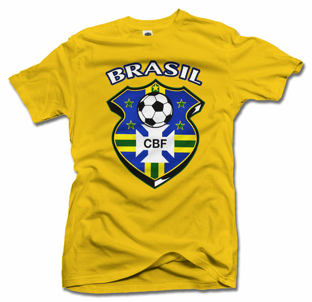 BRASIL FUTBOL SHIELD GOLD FUTBOL T-SHIRT Model