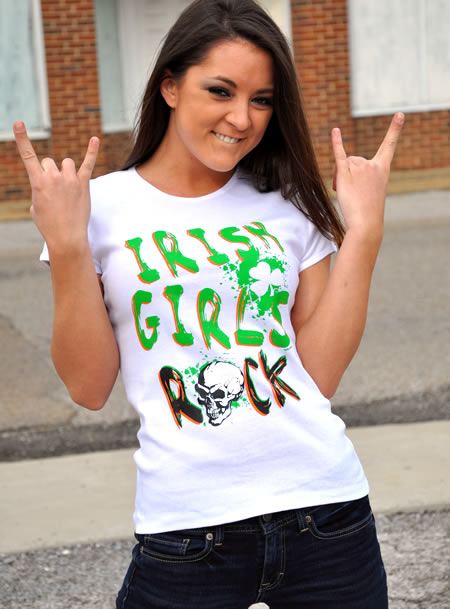 IRISH GIRLS ROCK T-SHIRT Model