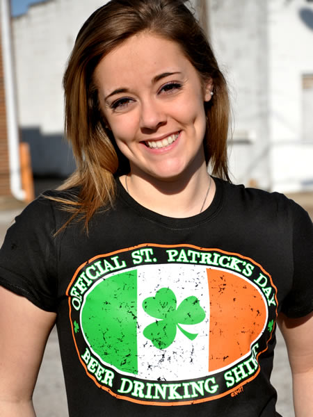 OFFICIAL ST. PATRICK'S DAY BEER DRINKING T-SHIRT Model